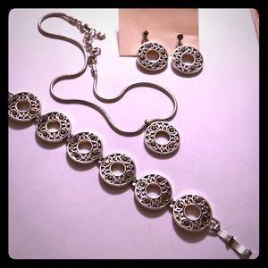 Brighton necklace bracelet and earring set